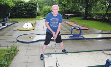 Dieter Jürs auf der Anlage des Minigolf-Clubs Elmshorn