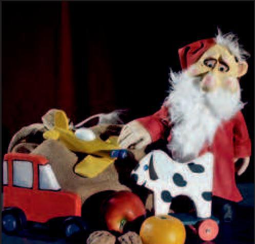 Auf Tour: kleiner Weihnachtsmann. | Foto: Chausseetheater/frei