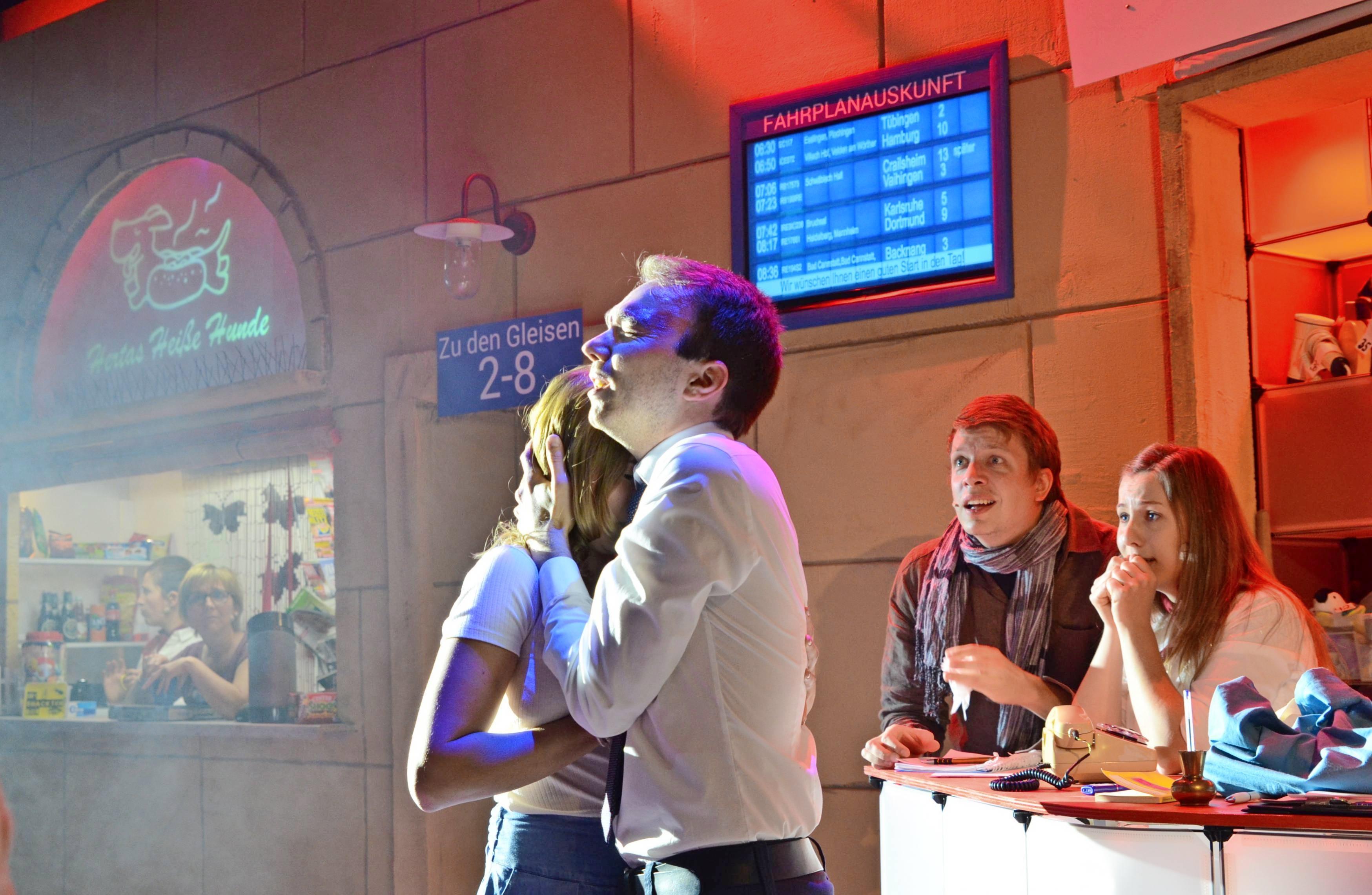 """Zum Jubiläums-Programm, das die Kreatief-Mitglieder anlässlich des zehnjährigen Vereinsbestehens in der Neckarsulmer Marktstraße aufführen, gehört auch das aktuelle Musical """"Romeo im Fundbüro"""". Foto: Archiv/Pfäffle"""