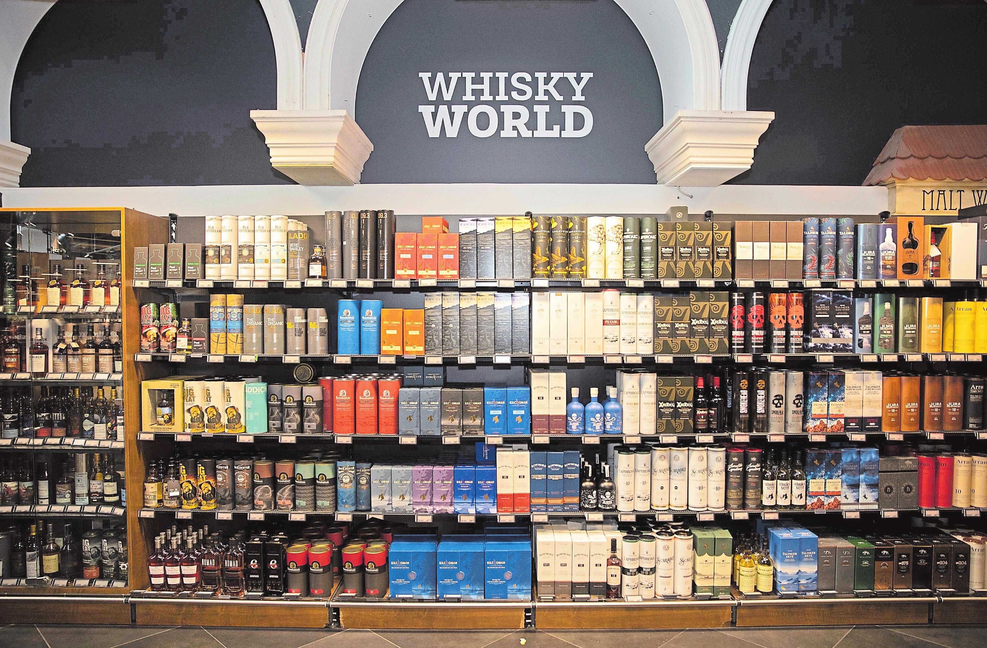 900+ Referenzen: Massen hat die größte Whiskeyauswahl des Landes. Steve Eastwood