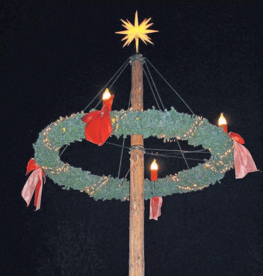 In Oberhagen steht der Adventskranz im Mittelpunkt der Feier.