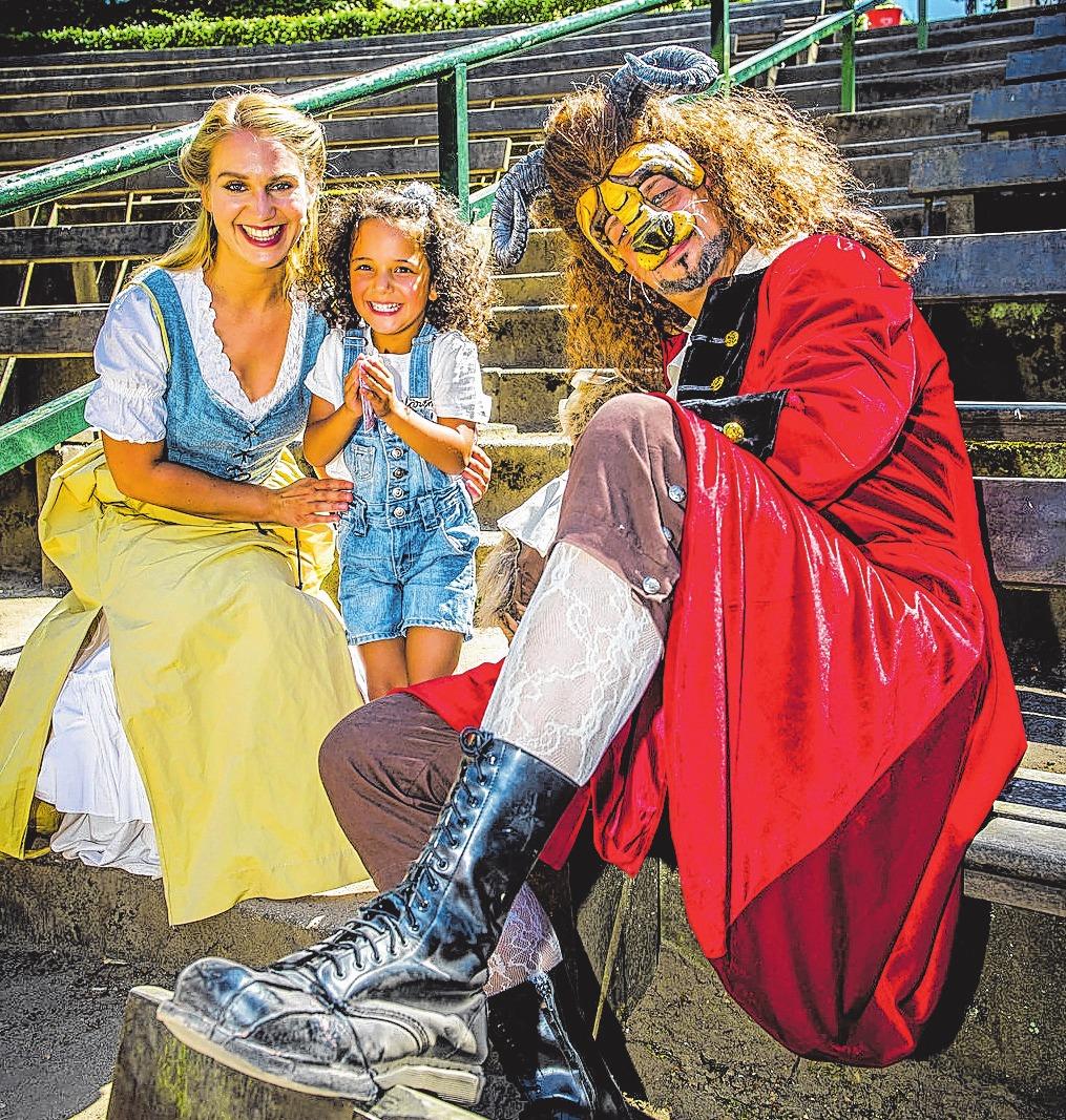 """Dank der Trave konnten 90 Kinder mit Begleitung im August das Musical """"Die Schöne und das Biest"""" auf der Freilichtbühne erleben."""