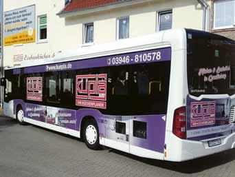 Ein echter Hingucker: Der schicke Küpla-Bus ist in der Region unterwegs.