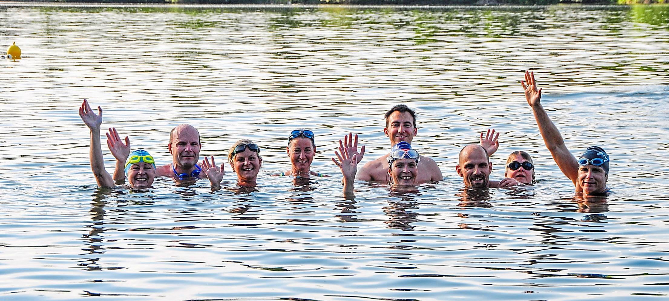 """Training im Weinzierl-Weiher: Erstmals findet während des Bürgerfestes ein """"Swim & Run""""-Wettbewerb statt. Foto: Stephan"""
