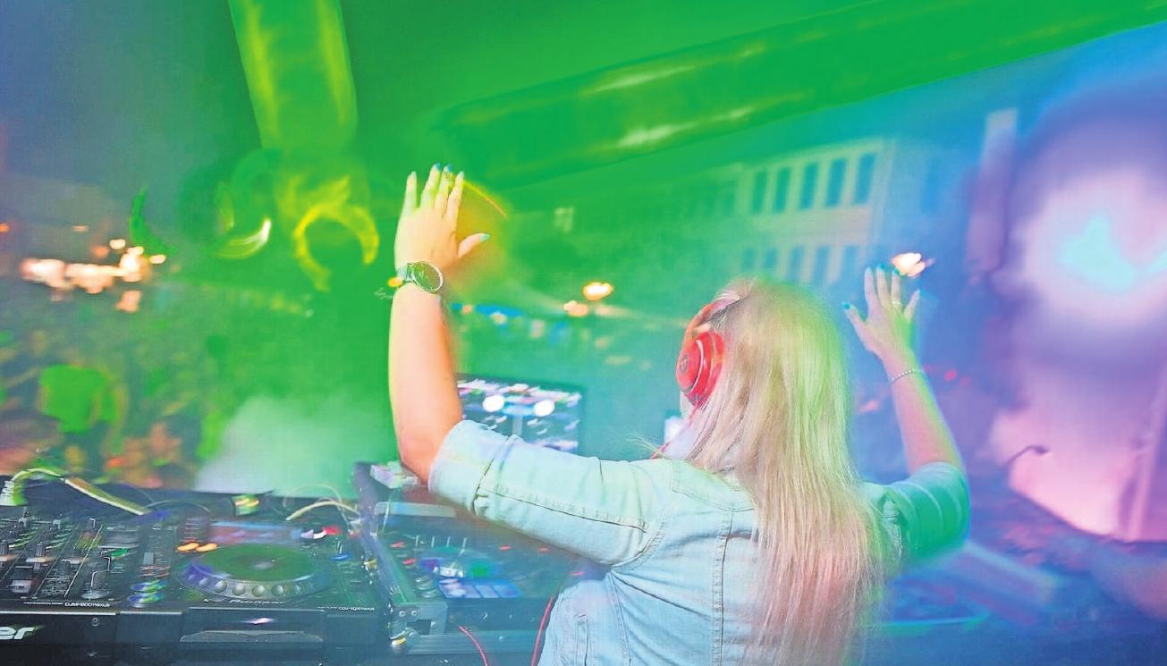 Am Freitag- und am Samstagabend legen angesagte DJs auf. Fotos (2): Stefan Lok/SL Fotografie