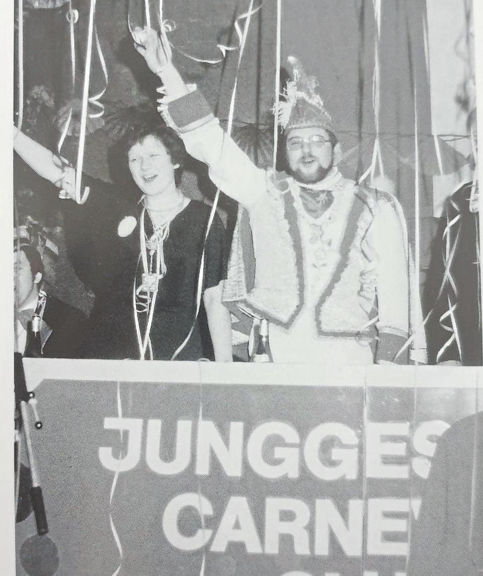 Für das zehnte Karnevalsfest waren die Junggesellen um Prinz Andreas 1980 in die Walstedder Schützenhalle umgezogen.