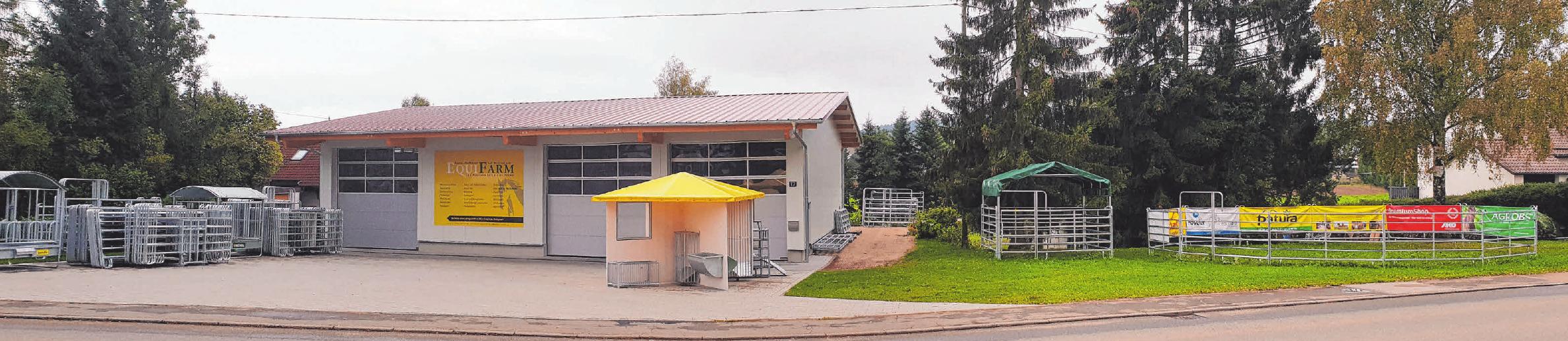Die Lagerhalle und die Ausstellung für Stall- und Weidetechnik von Equifarm in Gunningen. FOTOS: MÜLLER, EQUIFARM