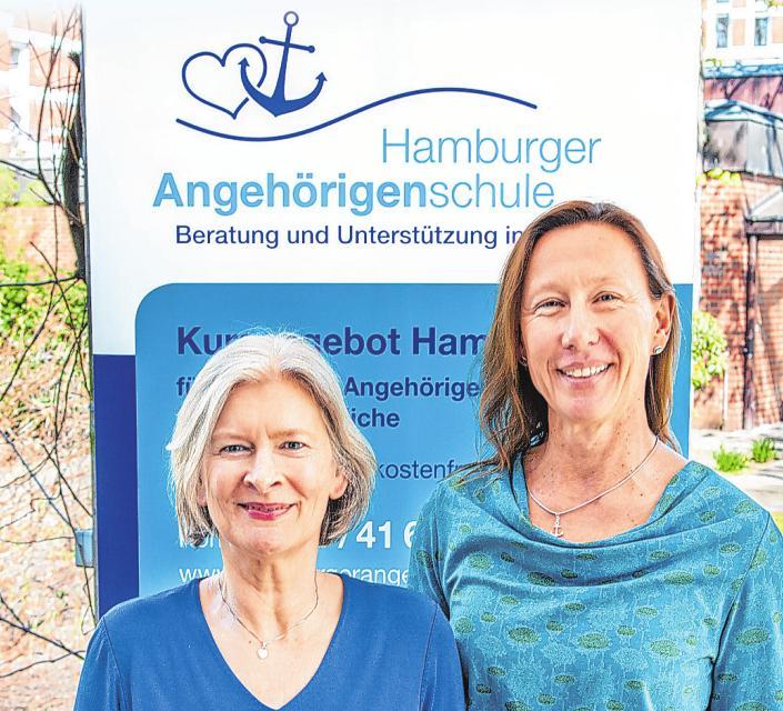 Gute Information ist das A und O. Daniela Schlögl (links) und Gabriele Schröder unterstützen pflegende Angehörige mit zahlreichen Kursen Foto: Umsorgt wohnen