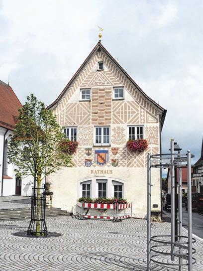 Der Eingang zum Rathaus wird noch umgebaut.