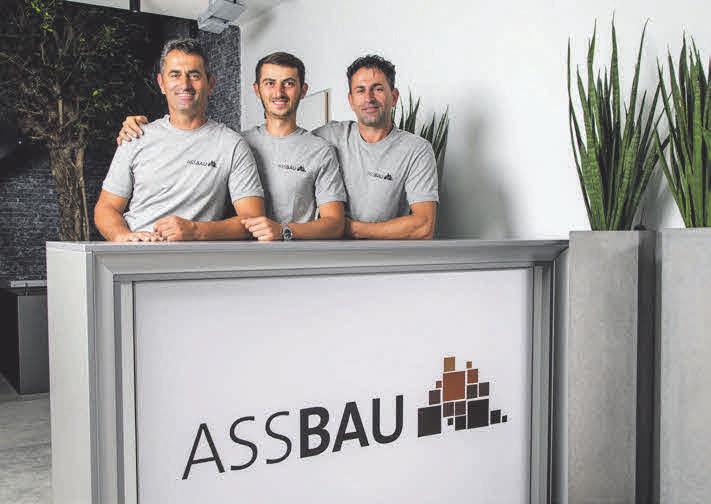 Abaz Idrizi, Samir Idrizi und Gazmend Idrizi sind Experten für Außenanlagen und Pflasterbau