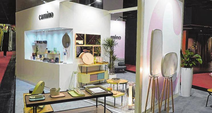 Moderne Einrichtungsunternehmen und Designer zeigten angesagte und verlockende Wohn-Ideen.