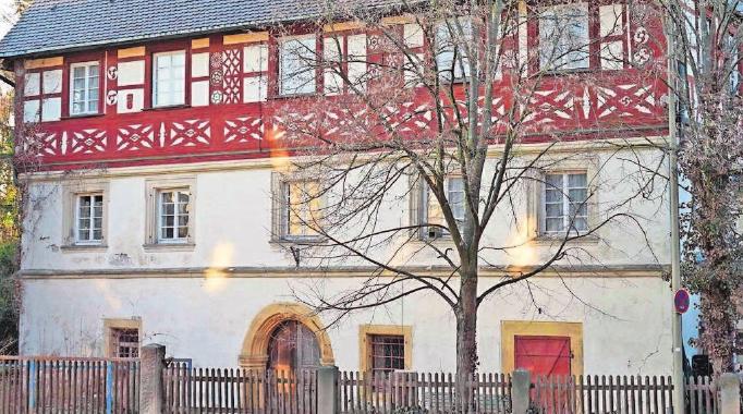 Das Schemenauhaus soll durch die Sanierung ein Schmuckstück im Ortskern werden.