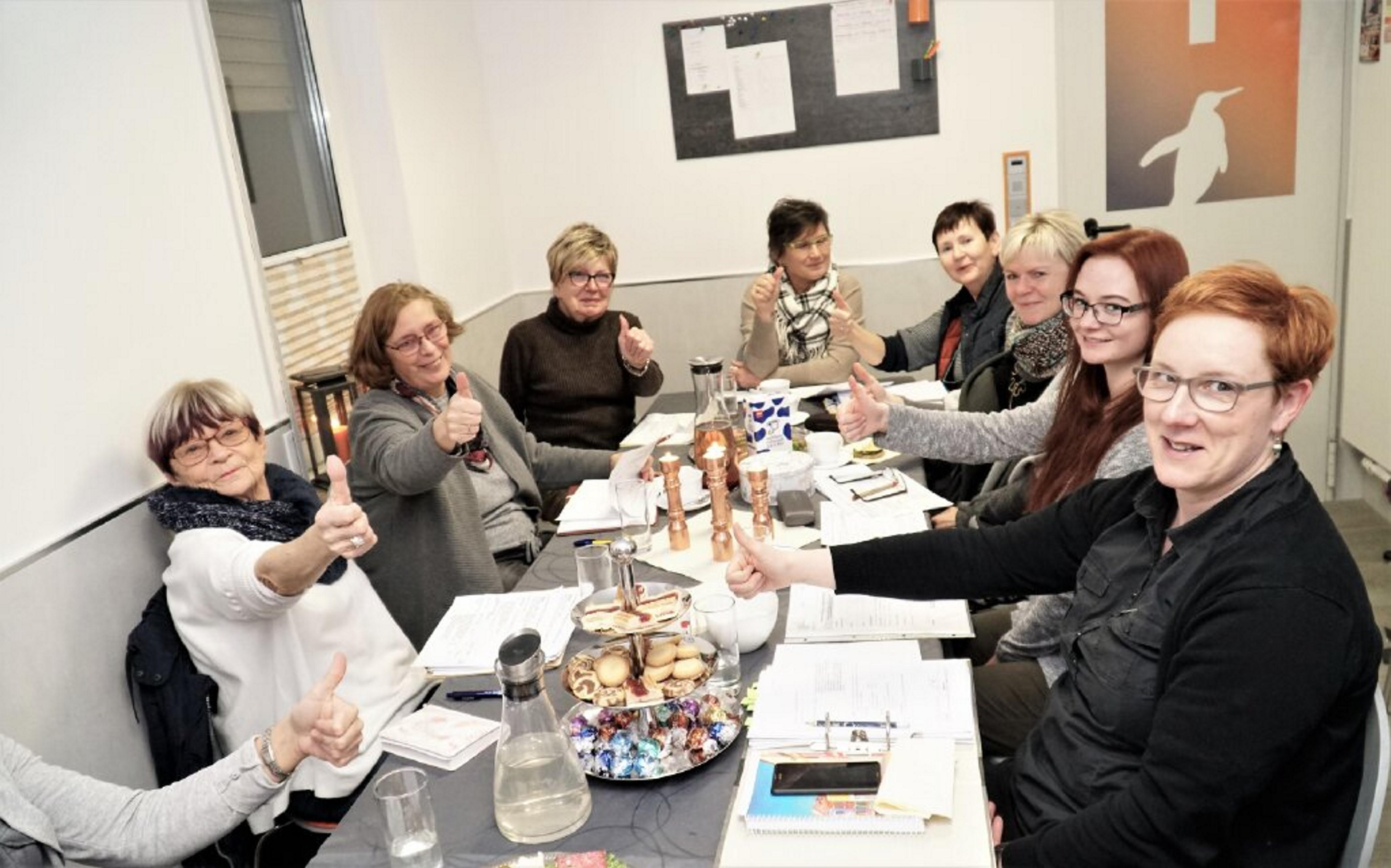 Unternehmerinnen treffen sich regelmäßig am Unternehmerinnenstammtisch – hier im Januar 2019. FOTO: R. ECKEL