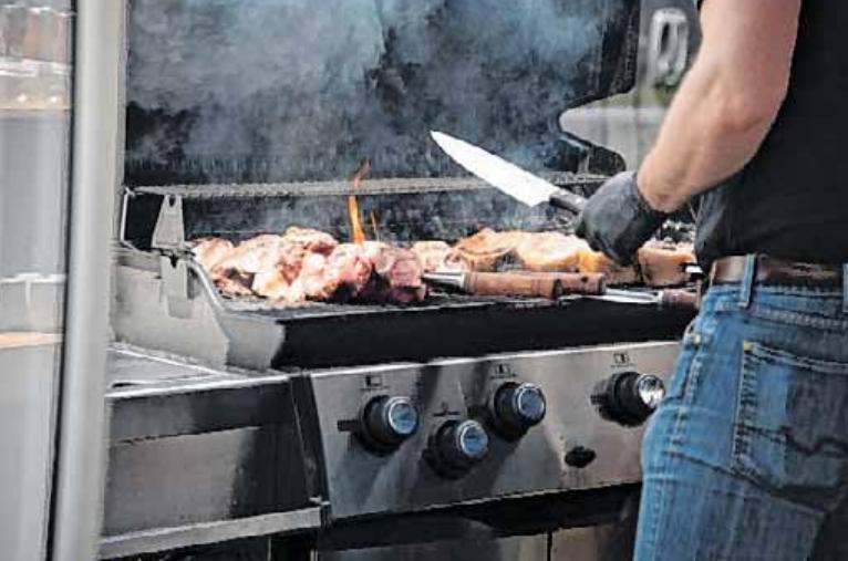 Auch Grillvorführungen stehen beim Streetfood-Festival auf dem Programm. FOTOS: VERANSTALTER