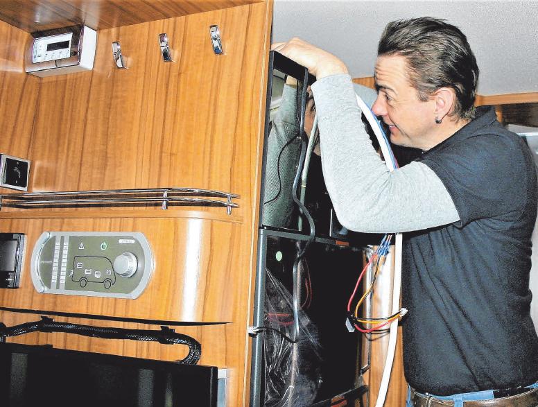 Umbauten im Fahrzeuginnern erledigt Andreas Hertkorn gewohnt professionell.