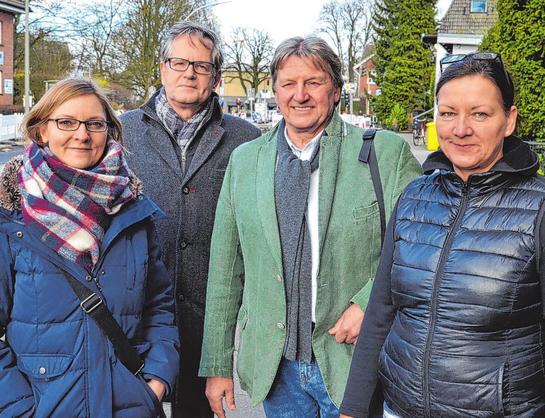 Carmen Hansch (SPD), Thorsten Holtz, Michael Ludwig-Kircher (SPD) und Anja Lichtenberg (v. l.) Fotos: rg
