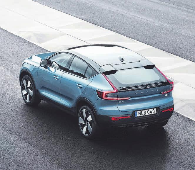Volvo C40 Recharge: Kombination aus den Vorteilen eines SUV mit dem dynamischen Design mit coupeartiger Dachlinie (Stromverbrauch kombiniert (nach WLTP): 25,023,8 kWh/100 km CO2-Emissionen kombiniert: 0 g/km, Effizienzklasse: A+).