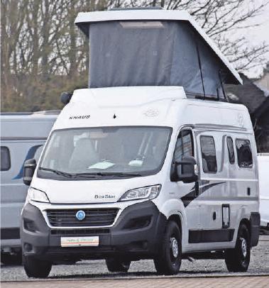 Den Knaus-Kastenwagen Box-Star gibt es auch mit Faltdach.