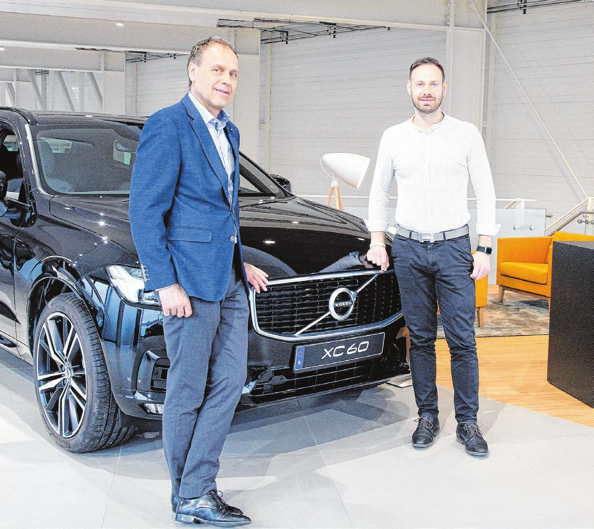 Betriebsleiter Rudolf Baumann und Sven Dangelmaier (rechts, Verkauf Volvo).