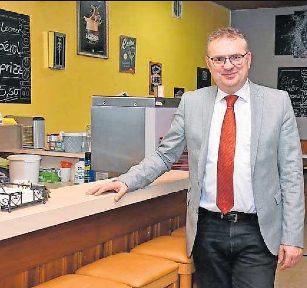 Erster Bürgermeister der neuen Verbandsgemeinde Nordpfälzer Land: Michael Cullmann, zuvor schon Verwaltungschef bei der VG Rockenhausen, ist auch in den Chefsessel der neuen Körperschaft gewählt worden.FOTO: HAMM