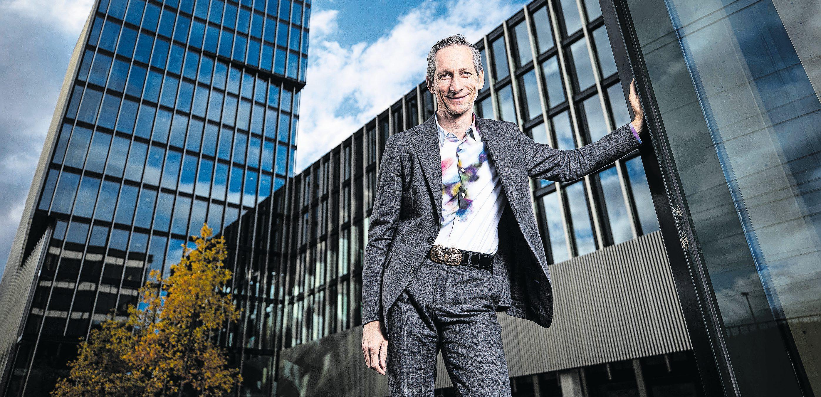Der Direktor des Informatikdepartements René Hüsler blickt auf eine Erfolgsgeschichte zurück. Bilder: Stefan Kaiser (Rotkreuz, 28. Oktober 2020