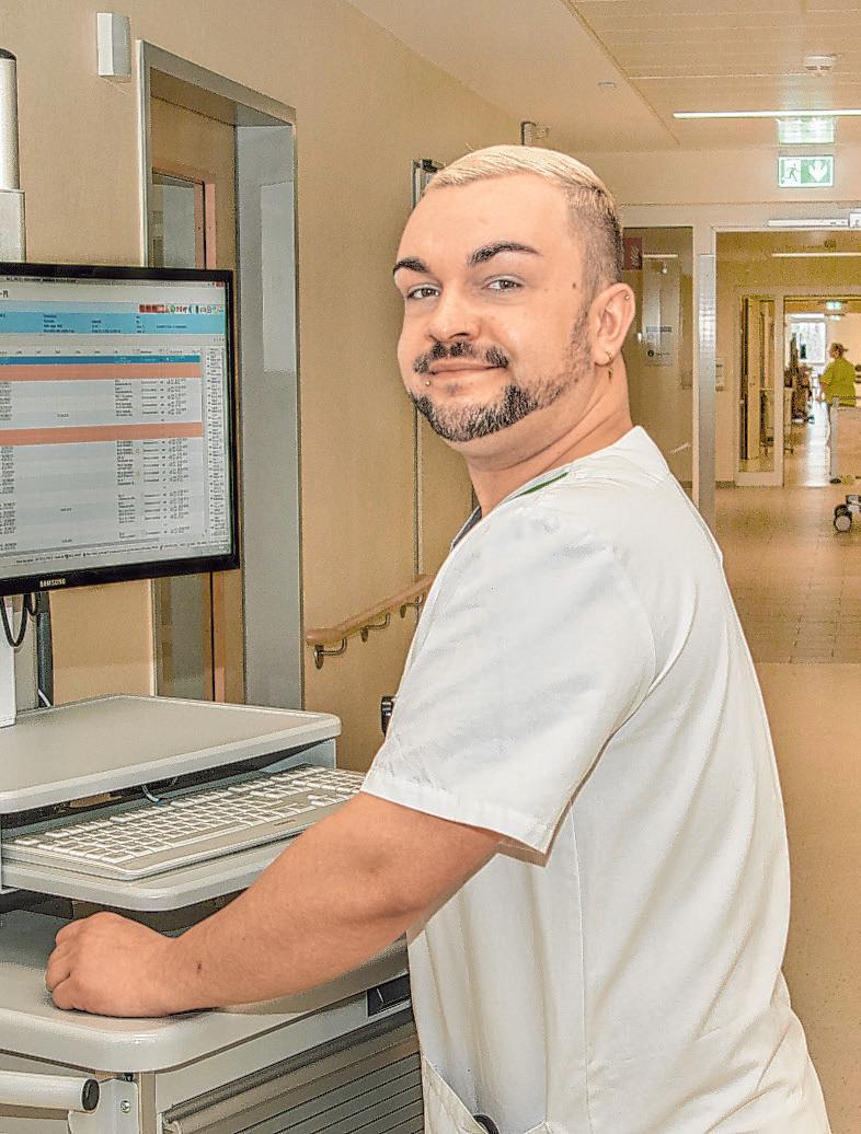 Als stellvertretender Stationsleiter ist Christian Frenzel dafür mitverantwortlich, dass die Einführung der elektronischen Patientenakte reibungslos funktioniert Foto: Umsorgt wohnen