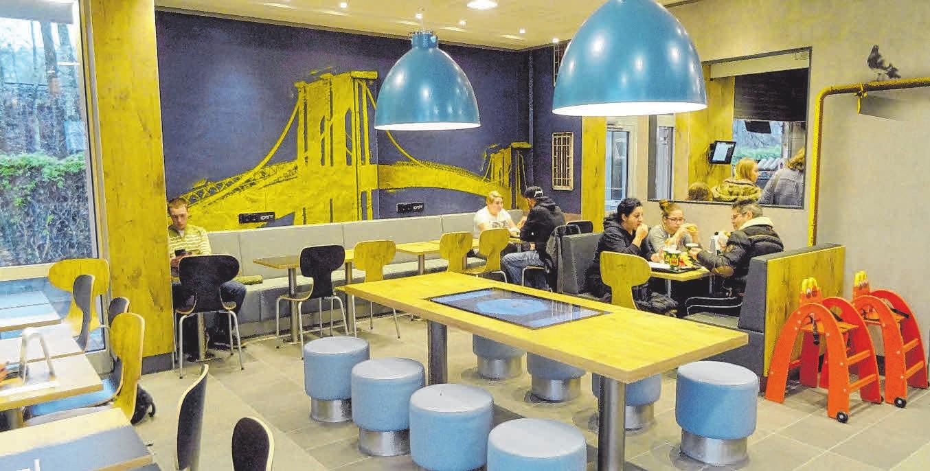 Grafiken an den Wänden und mehr – McDonald's Sigmaringen präsentiert sich nun in komplett neuem Design.