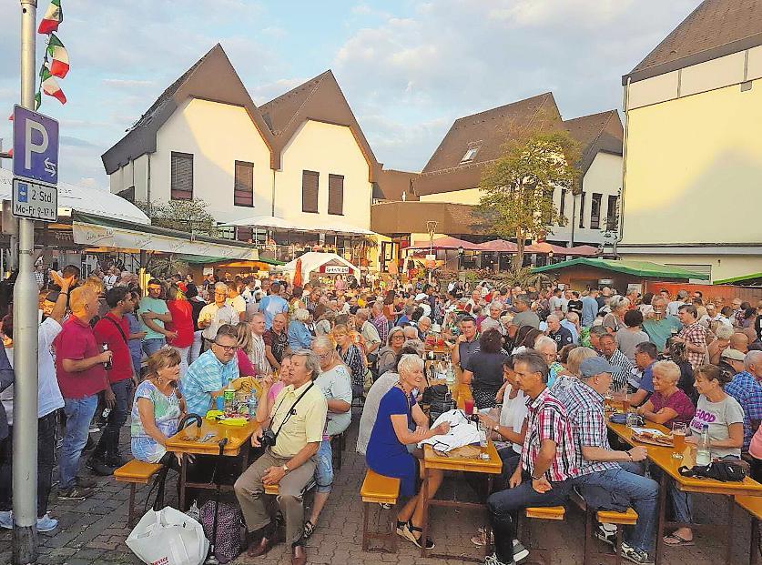 So macht der Sommer Spaß: Die Ramsteiner Sommernächte bieten Feines für Ohr und Gaumen. FOTO: CCR/FREI
