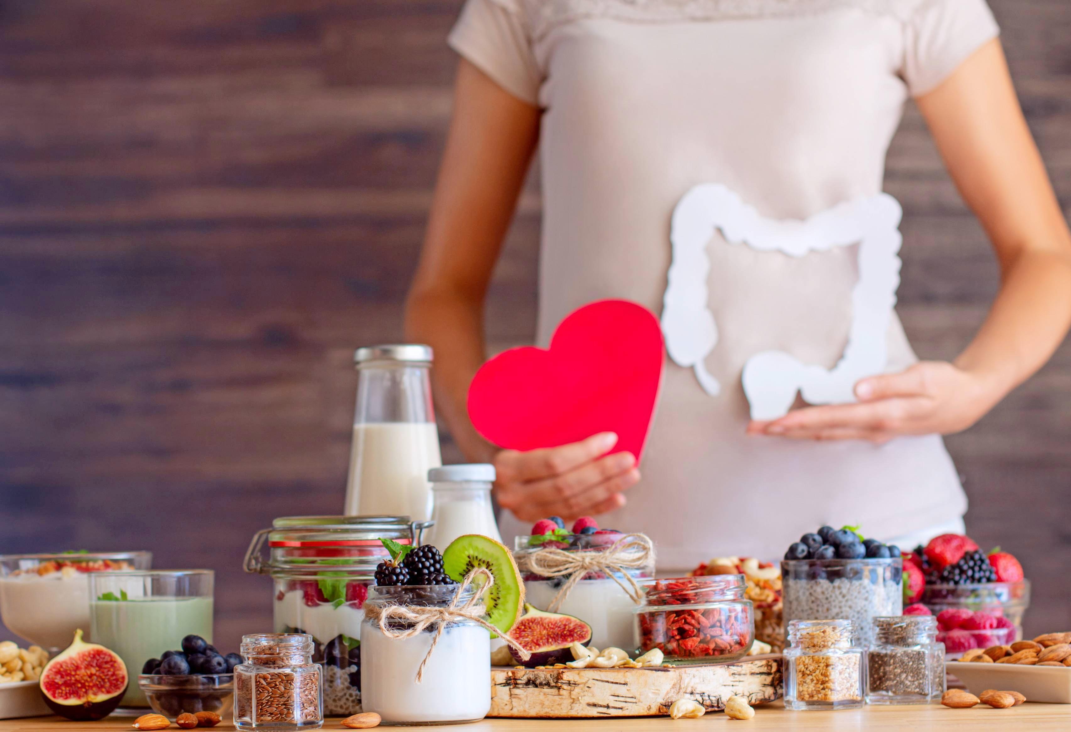 Was ist verträglich, was nicht? Ein Ernährungstagebuch kann Reizdarmpatienten helfen, dies herauszufinden. Experten empfehlen eine ausgewogene, faserreiche Kost. Foto: Monstar Studio/stock.adobe.com
