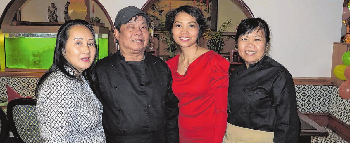 Die wichtigsten Mitarbeiter des neuen Restaurants Asia Kim in Blaubeuren.
