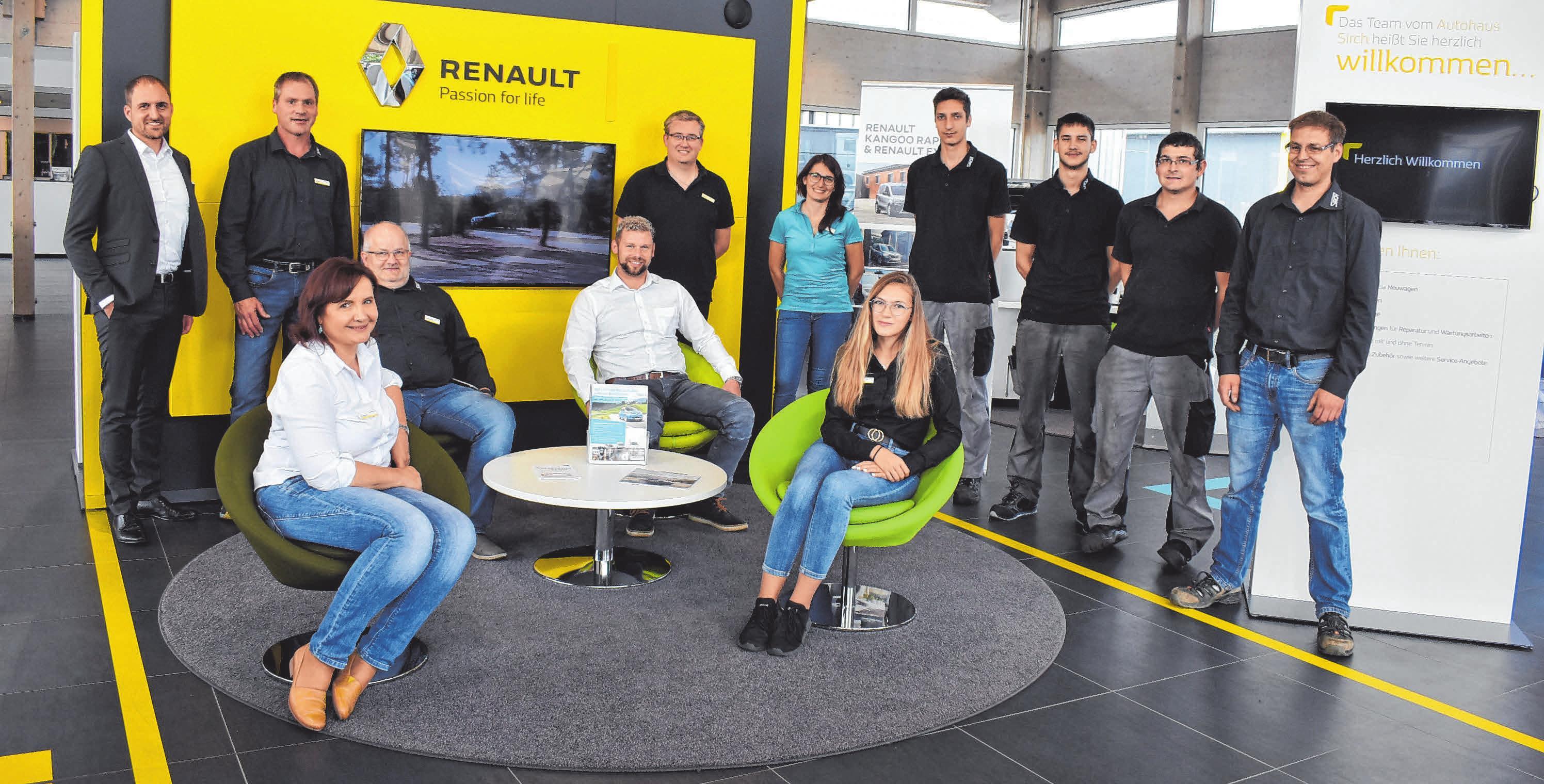 Das Leutkircher Team im kundenfreundlichen Willkommen-Bereich im neuen Foyer FOTOS: CARMEN NOTZ