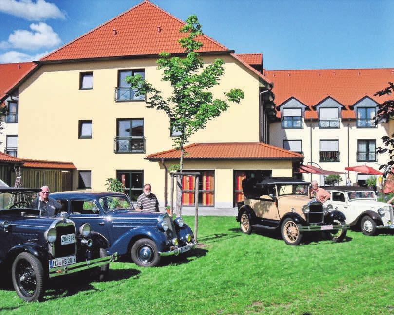 Auch eine Oldtimer-Rallye macht schon einmal Station an der Seniorenresidenz im Herzen Hämelerwalds.