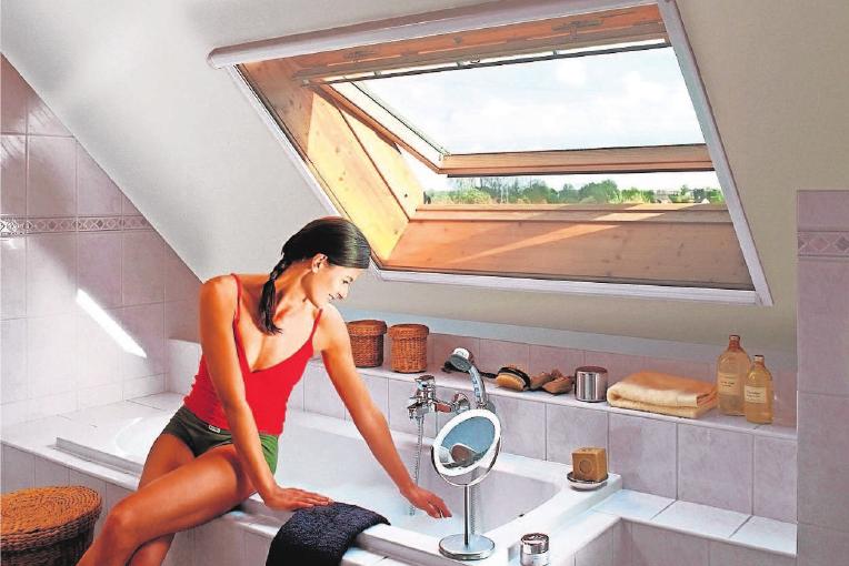 Mit einem Rolle findet sich eine komfortable Lösung, bestens geeignet für Dachfenster.
