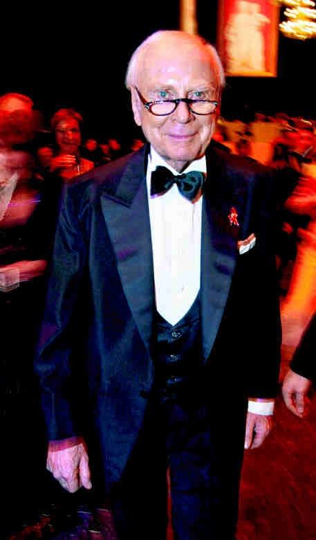 """2004 Oper war die Leidenschaft des Grandseigneurs des deutschen Humors, Loriot (1923–2011). In den 80er-Jahren inszenierte er """"Martha"""" und den """"Freischütz"""". Von 1995 bis 2004 bezauberte er als Moderator der Festlichen Operngala für die Deutsche Aids-Stiftung. PA/SÖREN STACHE"""