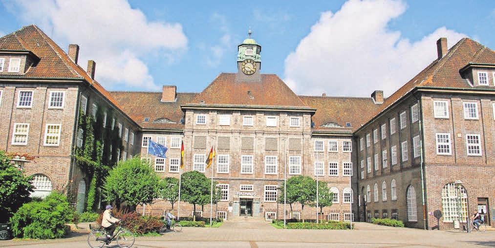 Ein Wahrzeichen der Stadt: Das Lehrter Rathaus wurde in den 20er-Jahren des 20. Jahrhunderts gebaut.