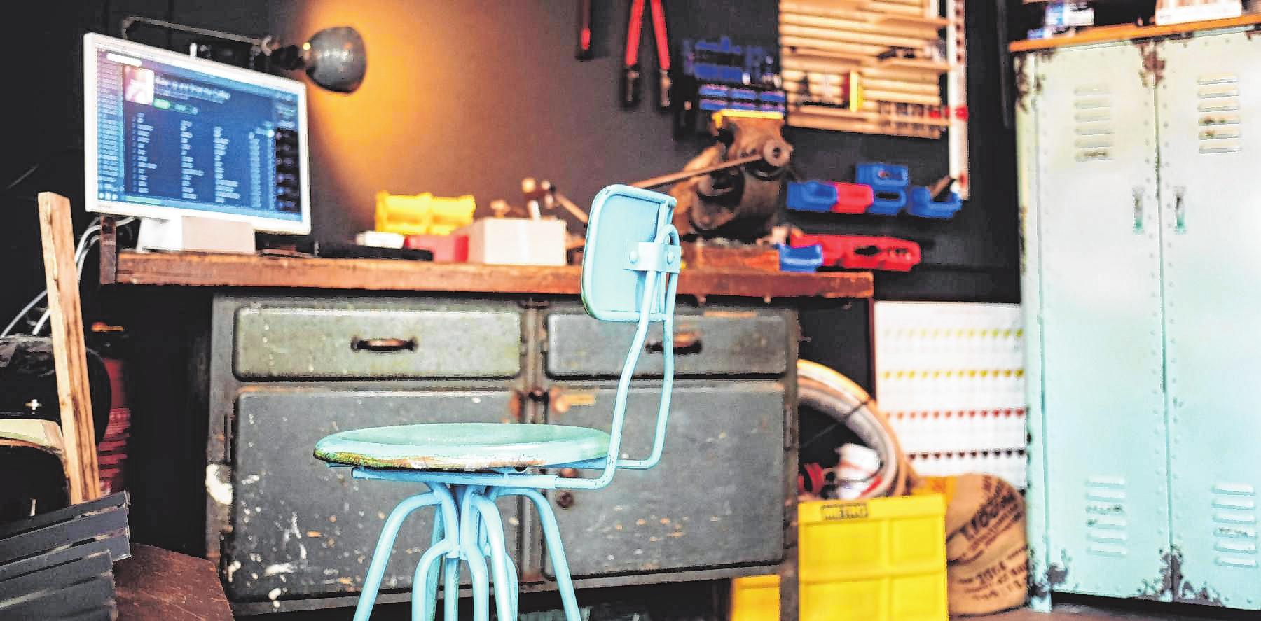 """Reparieren statt kaufen: In der Werkstatt des """"Luni"""" in der Schwetzingerstadt dürfen Hobby-Handwerker und Kreative gerne zur Tat schreiten. BILD: WETZEL"""