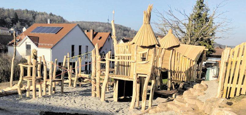 """Der Außenbereich wurde zusammen mit dem Verein """"Naturspur e.V."""" gestaltet."""