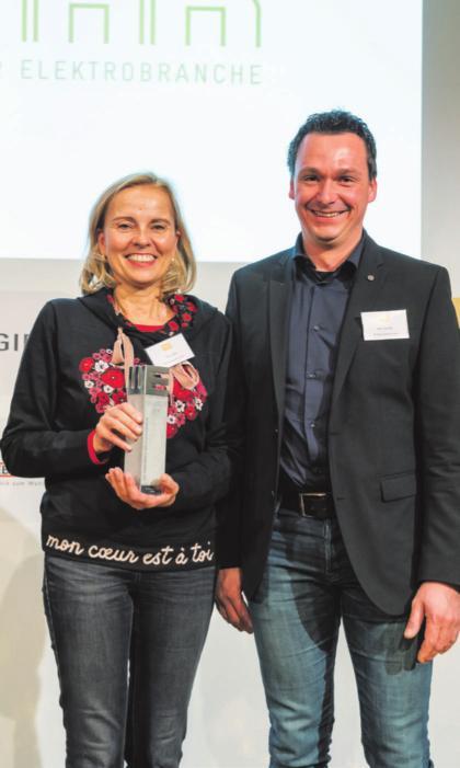 Elke Taxis (links) und Geschäftsführer Ralf Fischer freuen sich über den Preis für TK-Energietechnik. Foto: TK-Energietechnik
