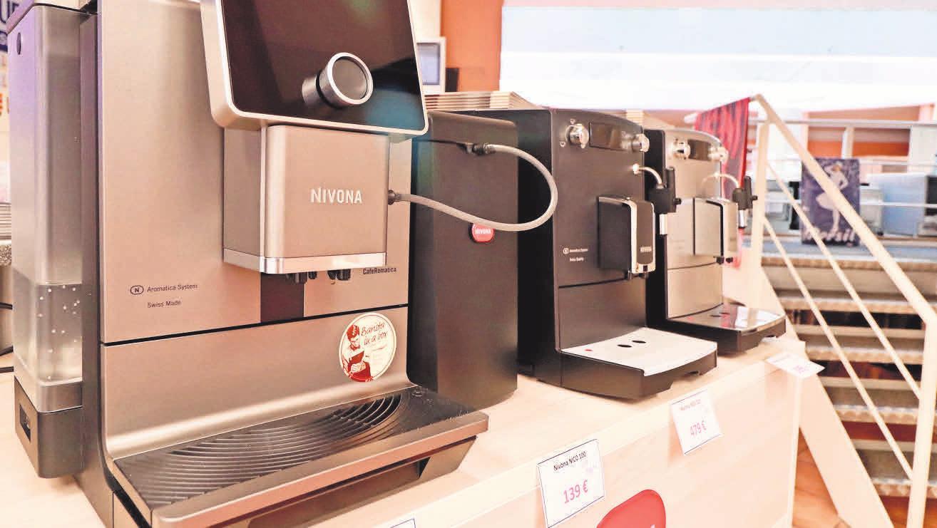 Kaffeespezialitäten mit höchstem Aroma – die Kaffeevollautomaten von Nivona gibt's in der Elektro- Fundgrube zum Aktionspreis.