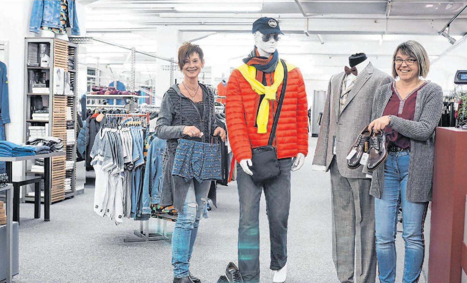 Auf 700 Quadratmetern findet man bei KL Menswear Herrenmode für jedes Alter. Die Auswahl an Qualitätsmarken ist groß. Foto: Nadine Wilmanns