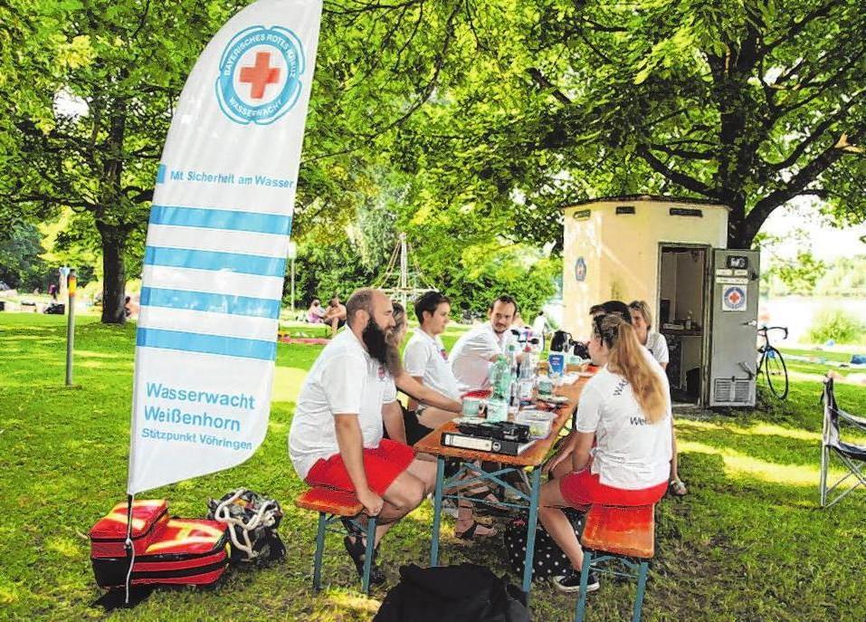 Bei der Wasserwacht verbringt man viel Zeit zusammen und vor allem im Sommer viel Zeit im Freien und an der frischen Luft.