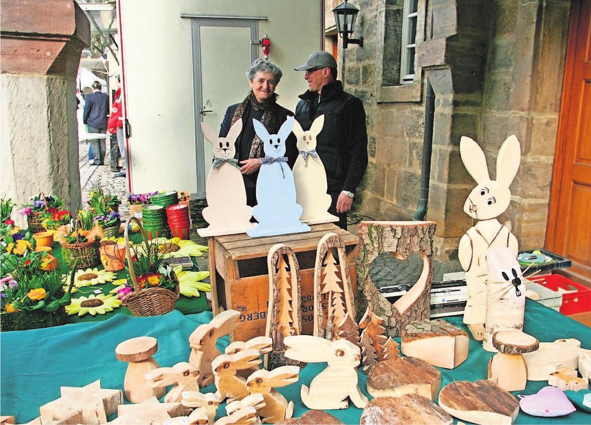 Eine große Auswahl an dekorativen und nützlichen Waren rund um Ostern wartet auf die Besucher.