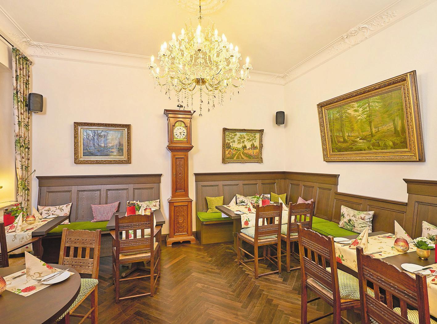 Die Büterstube: Die alte Uhr aus dem Jahr 1826 von Linderns Uhrmacher Karl-Friedrich Büter gab diesem Raum den Namen.