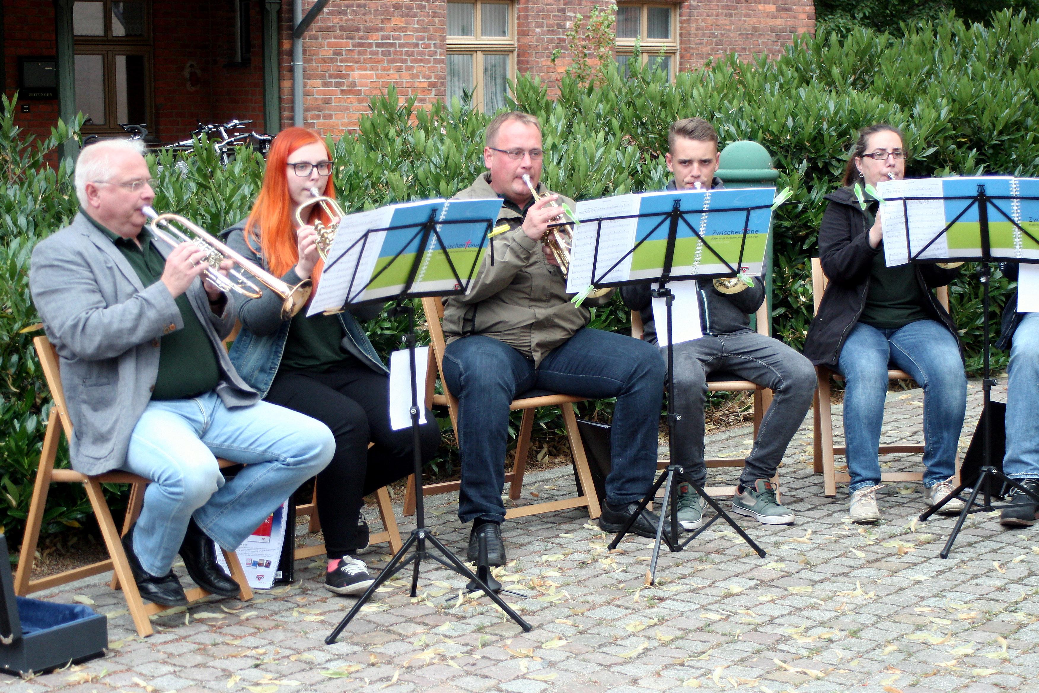 Die Bläser (im Bild) und der Kirchenchor bestritten am Montag im Wechsel den traditionellen Kirchenmusikabend. FOTO: D. MAYER