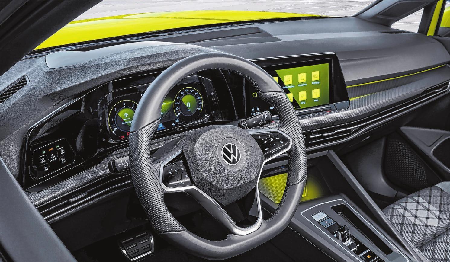 Einsteigen und Platz nehmen zur Probefahrt: Im Autohaus Koch gibt es mehrere Möglichkeiten, um sich den Wunsch nach einem neuen Fahrzeug zu erfüllen. Foto: Volkswagen
