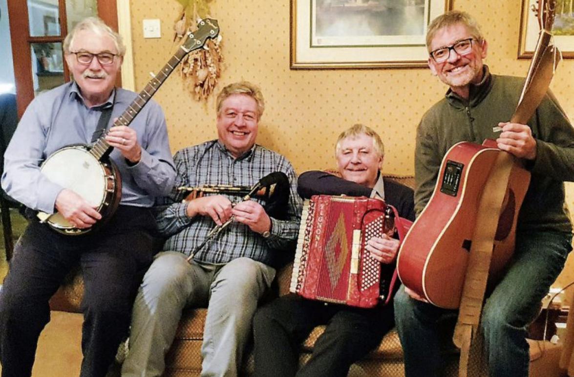 """Britische Volks- und Kneipenlieder bringt die Band """"Skerne"""" zum Stadtfest am Freitag, 12., und Samstag, 13. Junli, nach Tübingen"""