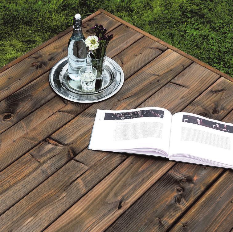 Langlebig, zeitlos schön und ökologisch vorbildlich: Terrassendielen aus dem Nadelholz der Douglasie Foto: Scheerer