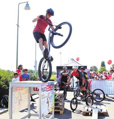 Fahrrad-Action beim Familiensportfest.