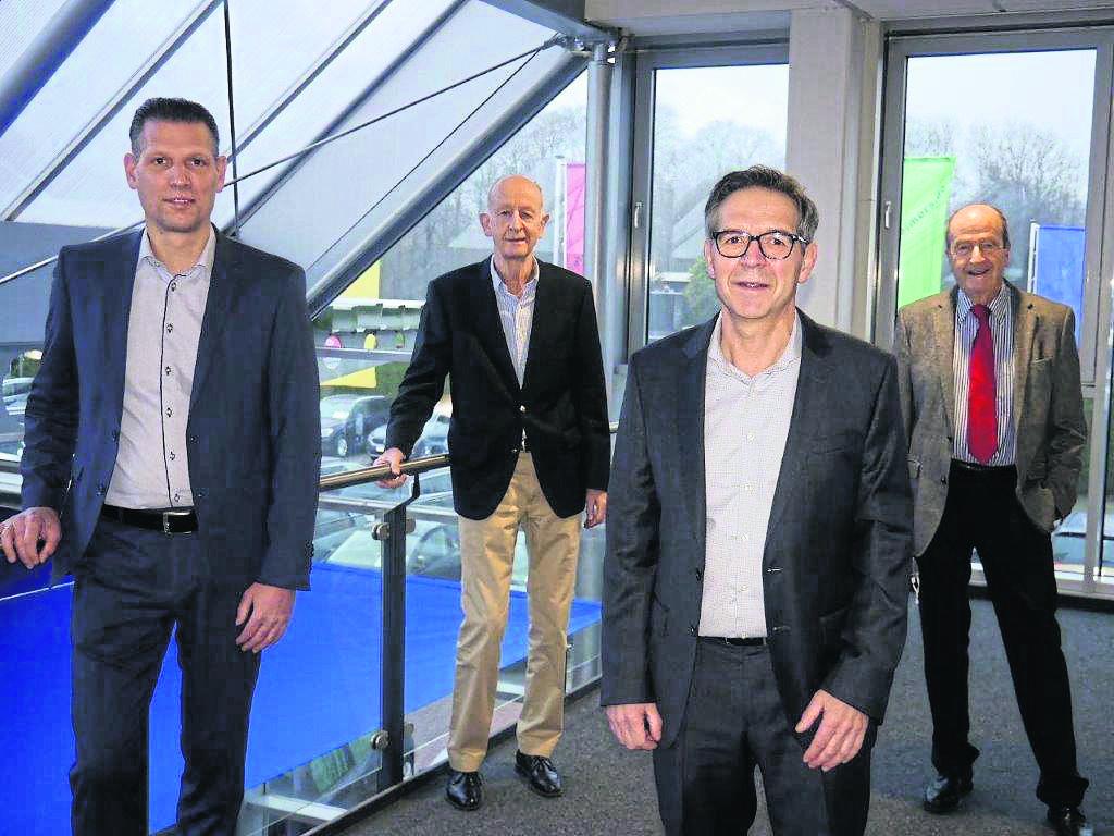 2+2: Die erweiterte Geschäftsleitung (v. l.) mit Manuel Voß, Gerd Reimers, Holger Richter und Gunter Reimes