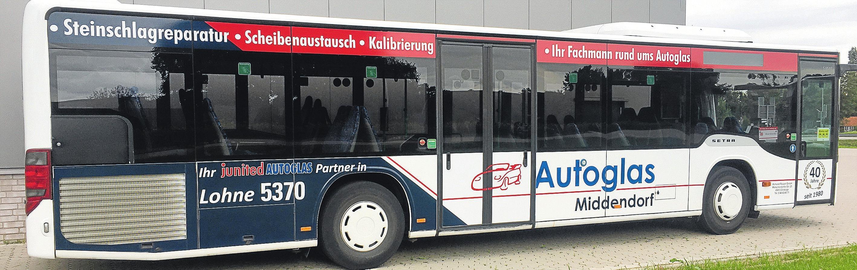 Autoglas Middendorf setzt auf regionale Partner wie Kohorst-Reisen.